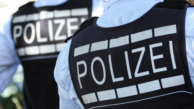 Offenbach am Main- Zwei Männer versuchten Rentner den Hausschlüssel zu stehlen –